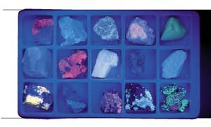 Hubbard scientifique 2384 Collection Fluorescent Minerals Long Wave