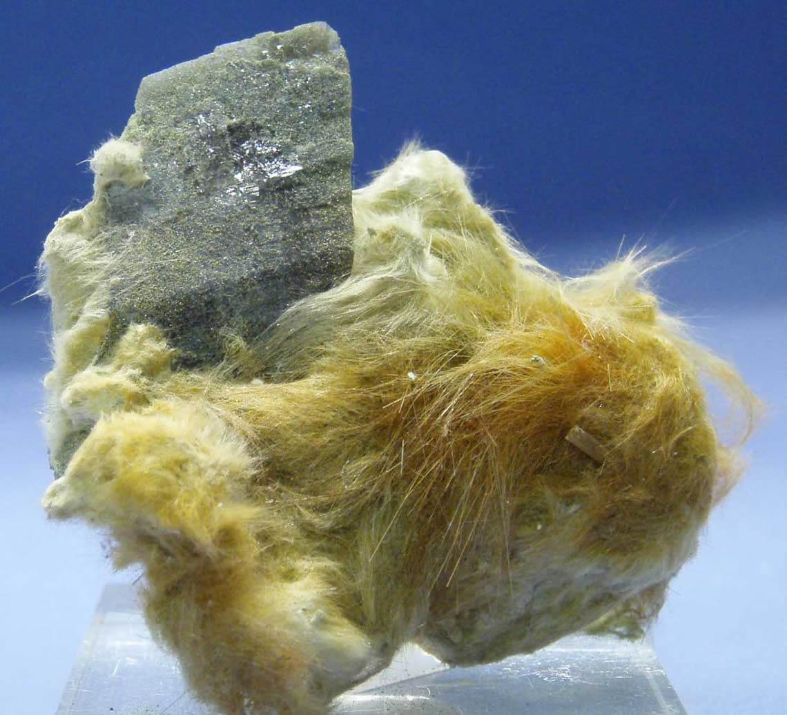 11-axi-sur-asbeste